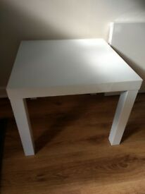2 white side tables