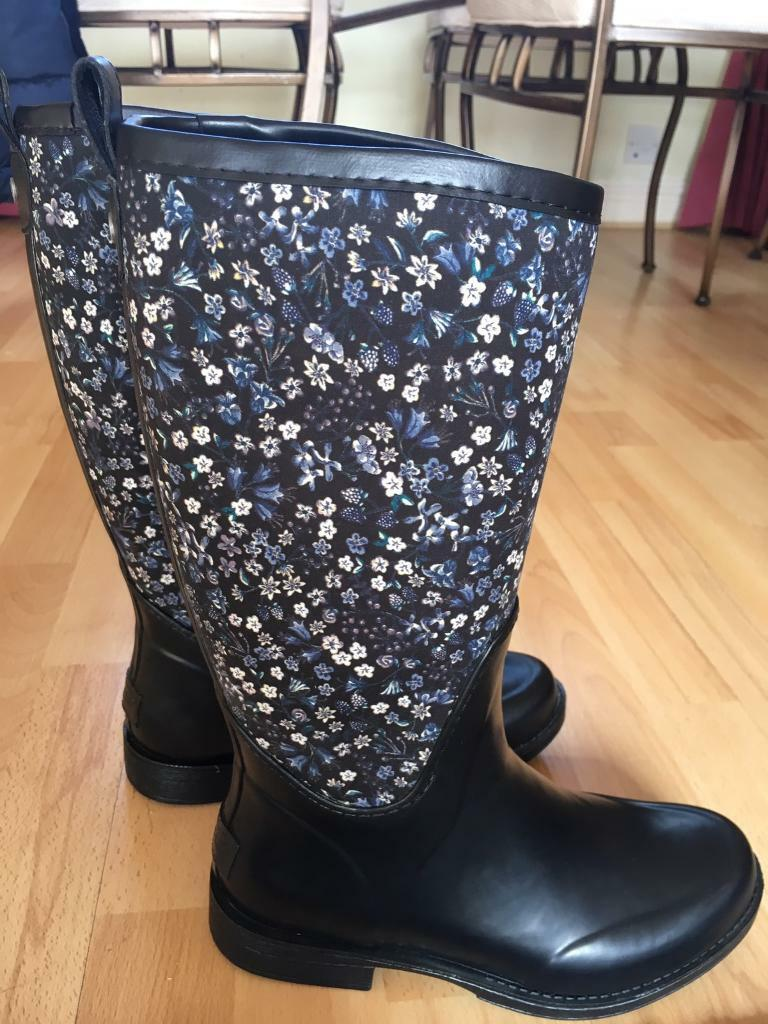 acdc2486edc Ugg Reignfall New Liberty print wellies UK size 4.5 | in Abingdon,  Oxfordshire | Gumtree