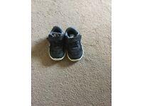 Boys size 5 shoes