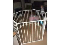 Baby Dan play pen white