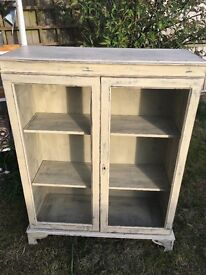 Shabby chic glasses cabinet/sideboard/shelving