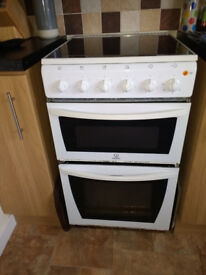 Indesit Electric Cooker with integrated hob
