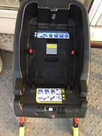 Chicco Autofix car seat in black with Autofix base & Isofix base
