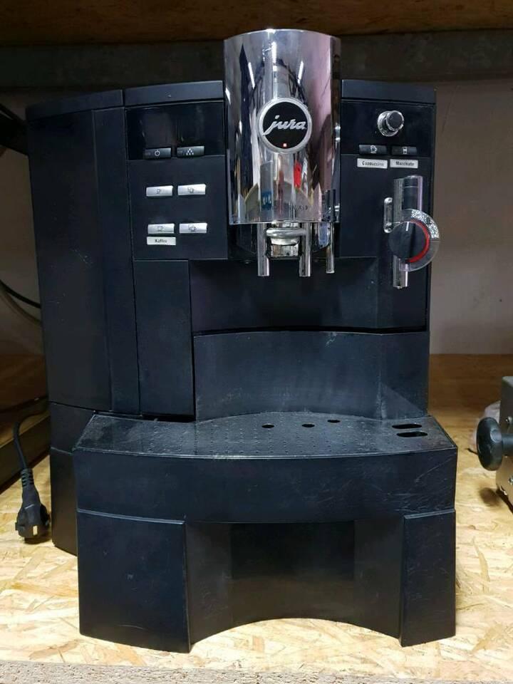 Jura Impressa XS 9 Kaffeevollautomat BJ 2014 in Magdeburg