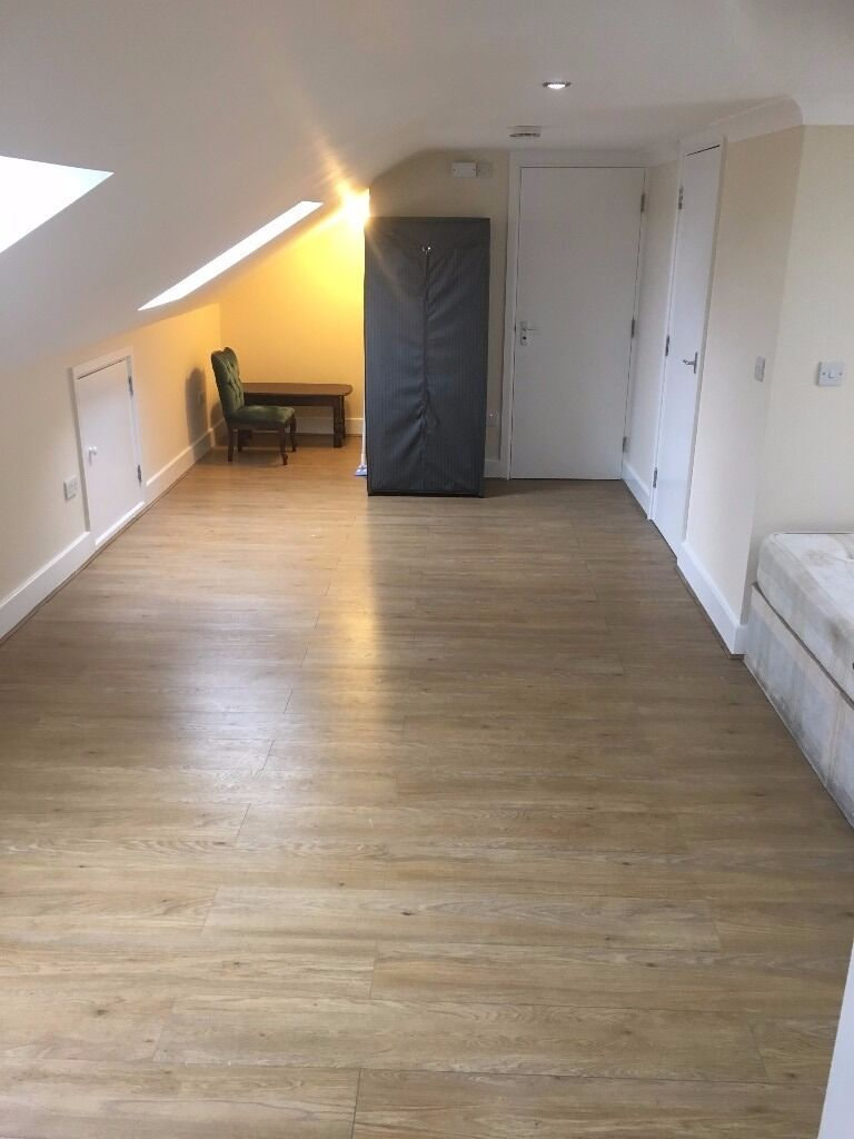 NEWLY REFURBISHED STUDIO TO RENT IN SEVEN KINGS FOR £775PCM!! SEPARATE KITCHEN! 5 MINS TO STATION!!