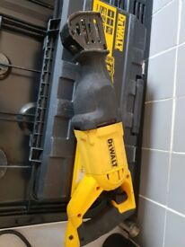 dewalt reciprocating saw used in good condition