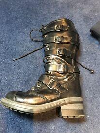 Black ladies boots