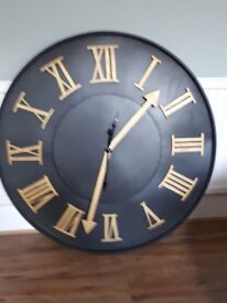 Massive 1 metre round clock