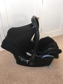Maxi Cosi CabrioFix car seat & EasFix Base