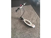 Electric scooter (razor)