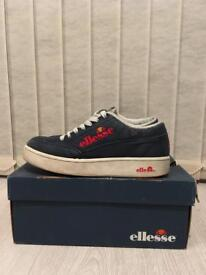 ellesse navy trainers size 6