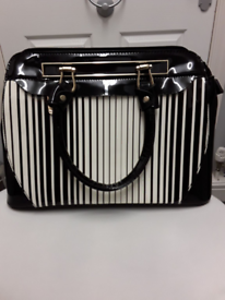 BLACK & WHITE STRIPED BAG (NEW)