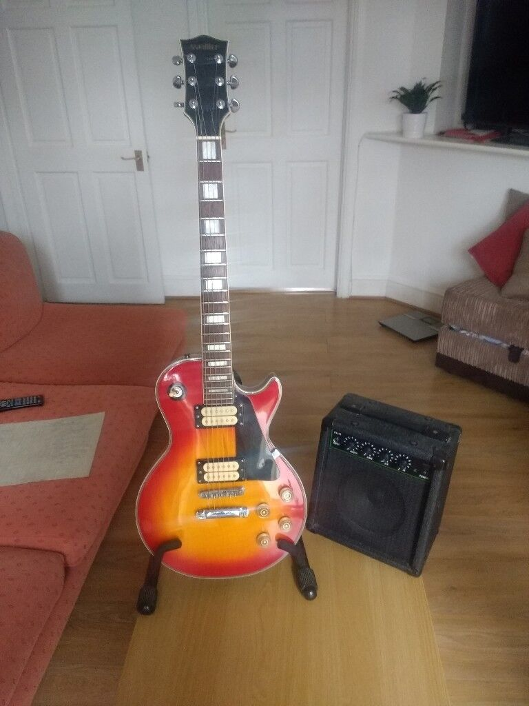 Vintage Guitar Satellite In Perfect Working Order And Small Amp