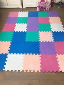 Soft play foam mats (30)