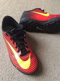 Nike Astro trainers size 4