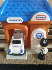 Police Station - Little Tikes