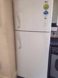 LG White Free Standing Frost Free Kitchen Fridge Freezer - Good Working Order/Very Good Condition