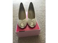 Ivory lace Bridal Shoes size 6.5
