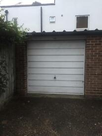 Garage for rent near Walton-on-Thames station