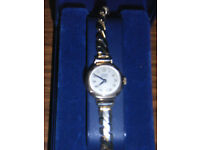 Ladies 9ct gold watch, good working order