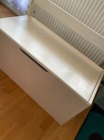 Wooden Toy box | good condition