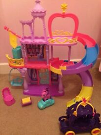 My Little Pony Princess Twilight Sparke Rainbow Castle Bundle plus Carriage