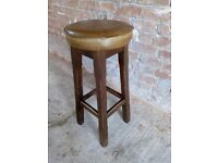 Round seat pub/bar stool