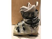 Ladies ski boots: atomic tracker 110 UK 6/EU 39/ mondo 25.5