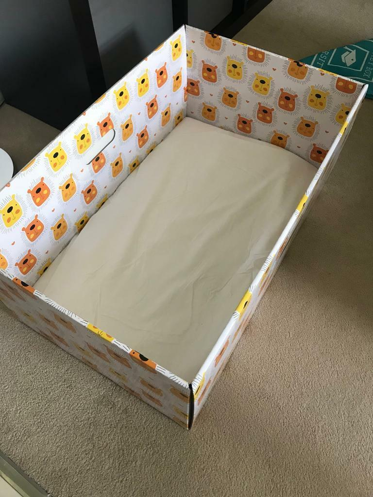Baby box with mattress