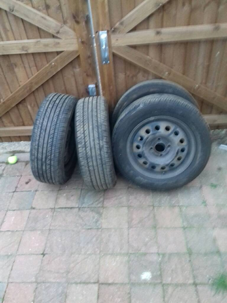 Ford tyres