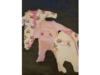 Big bundle of baby girl clothes Tiny baby/New born perfect for Twins