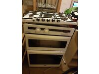 Oven and 5 gas ring hobs