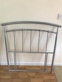 Head board in silver for a single bed