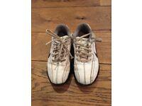 Junior Nike golf shoe size 13.5 eu 32