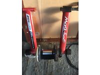 Cycle turbo trainer magnetic