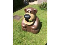 Bear bin