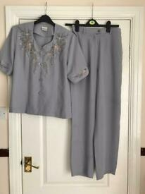 Ladies 2piece outfit size 12