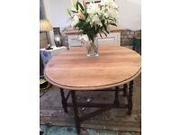 Oak Vintage Gate Leg Extendable Table