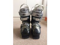 WOMEN'S/KIDS ATOMIC SKI BOOTS SIZE 3-4- £30 ONO