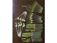 Set of dining utensils