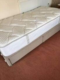 Single bed as new 2 drawers