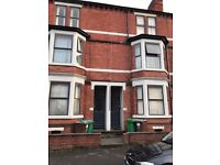 2 Bedroom's available in shared house - £350pm including all bills