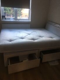 Single room in towne centre