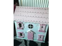 Dolls house good condition free