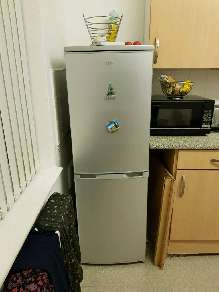 Great condition Silver fridge freezer great big capacity ive had it 12months its perfect