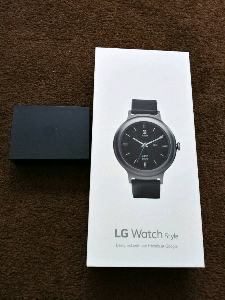 Lg watch style and b o play earphone