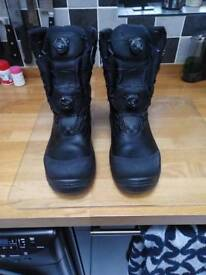 Safety Work boots. Size 8 (42) waterproof. Steel toe,Vibram sole, boa automatic lace system