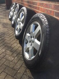 "Four Discovery HSE 19"" Wheels For Sale."