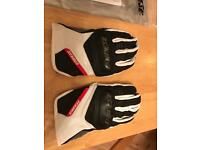 Dainese Men's Essential Gloves - Medium - Black & White