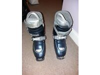 Ski boots ladies size 5